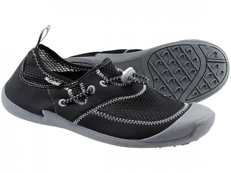 HYCO WATER SHOES